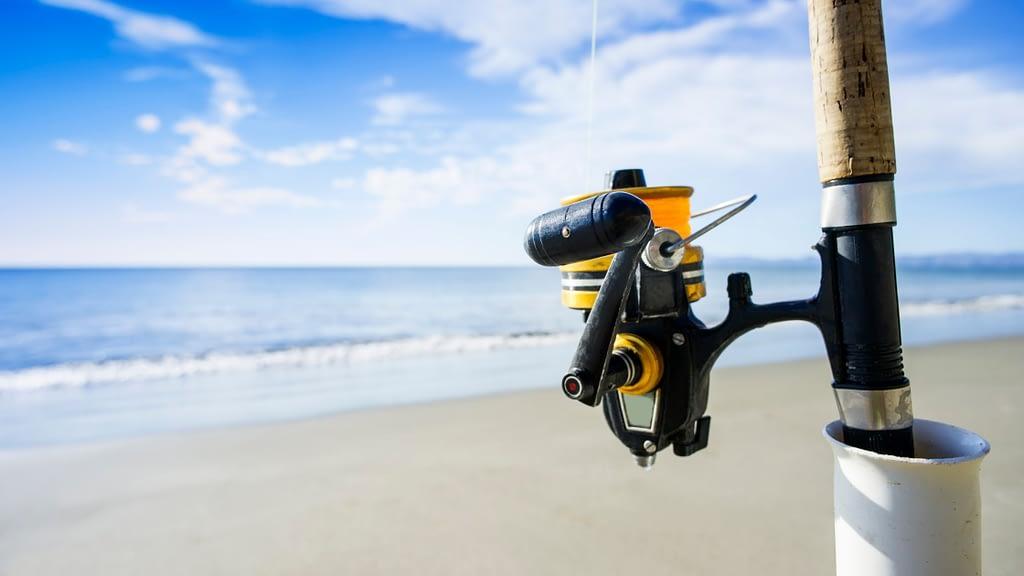 spinning reel surf fishing